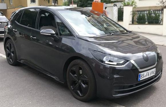 Volkswagen снял покрова со своего электромобиля